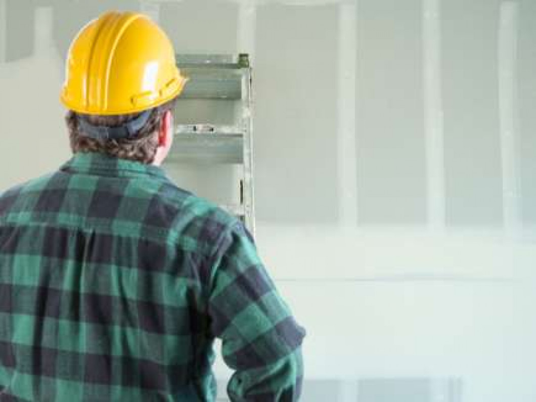5 signs that you need drywall repair services